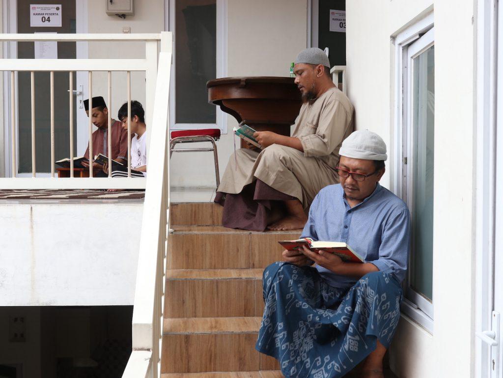 Bagaimana cara menghafal Qur'an sebulan cepat dan tidak mudah lupa